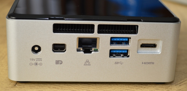Intel NUC Broadwell-U (NUC5i3RYH) - Photo 2
