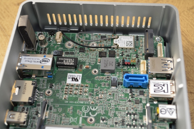 Intel NUC Broadwell-U (NUC5i3RYH) - Photo 9