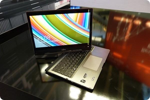 Fujitsu - Lifebook-T904 - 1