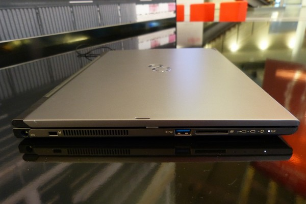 Fujitsu - Lifebook-T904 - 3
